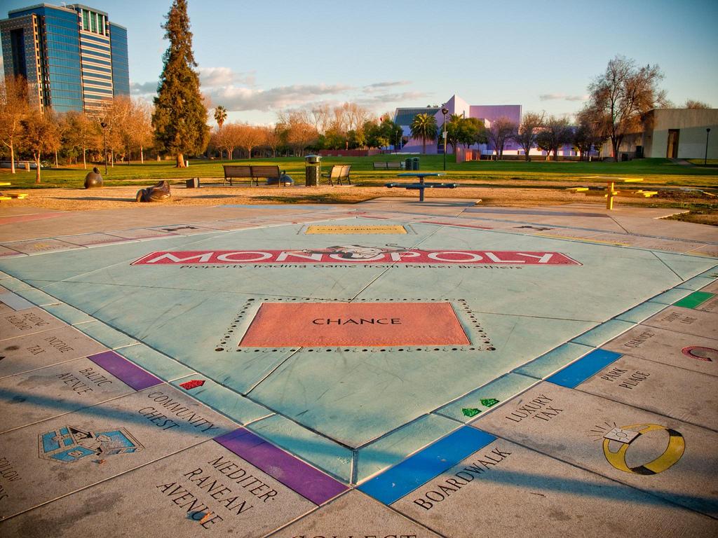 Monopol w parku